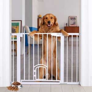 Cumbor-Auto-Close-Safety-Baby-Gate-with-Arch-Cat-Door-big-dog